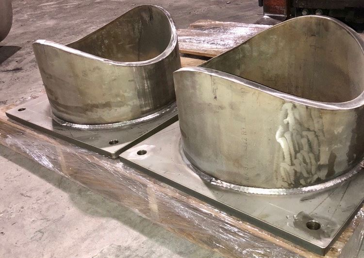 custom pipe saddles for trunnion support
